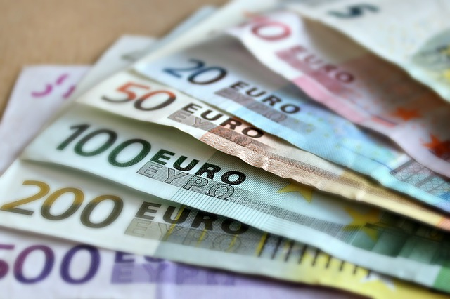 Come invertire l'andamento negativo degli stipendi in Italia