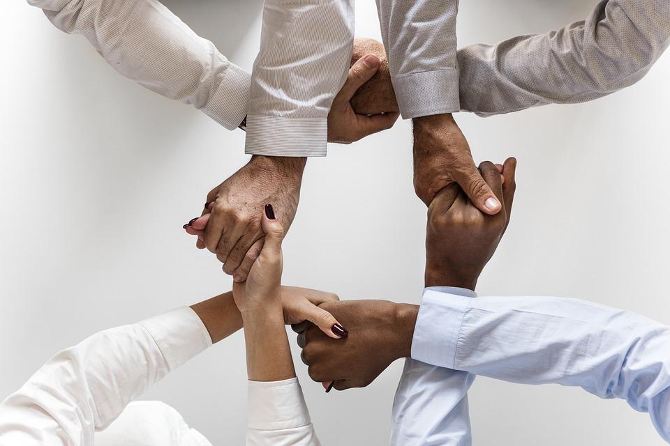 Esercizi di team building
